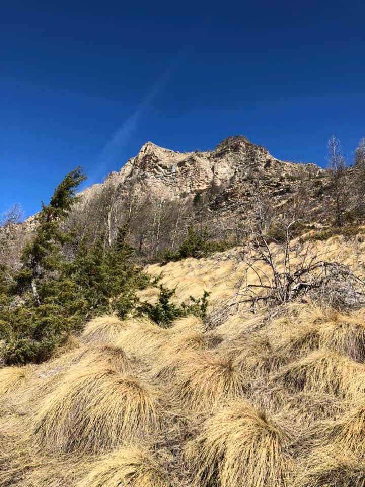 Un ciel bleu pour monter au Lac d'Allos